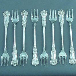 A set of 8 sterling silver oyster forks (or seafood forks) in Queens pattern by Birks, Montreal c. 1950